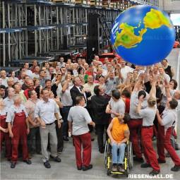 200 cm aufblasbarer Ball auf Linde Firmenevent