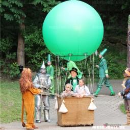 200 cm Riesenball im Einsatz auf der Freilichtbühne