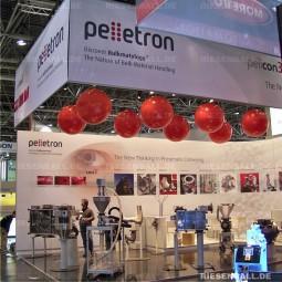 Messeballons als Standelemente bei Pelletron