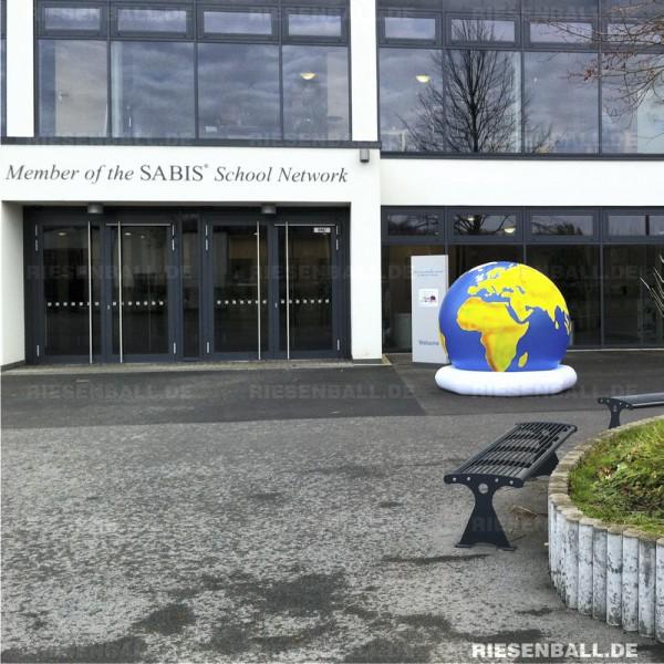 Weltkugel zum Tag der offenen Tür der ISR in Neuss